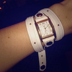 La mer layered wrap watch: white gold studs