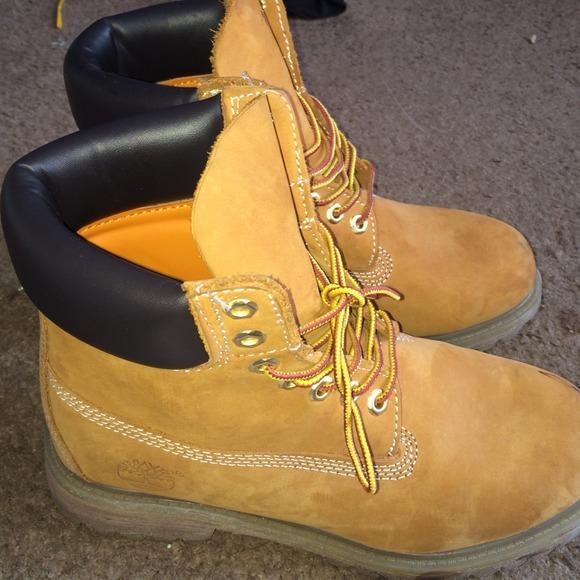 What To Wear Yellow Shoes Women