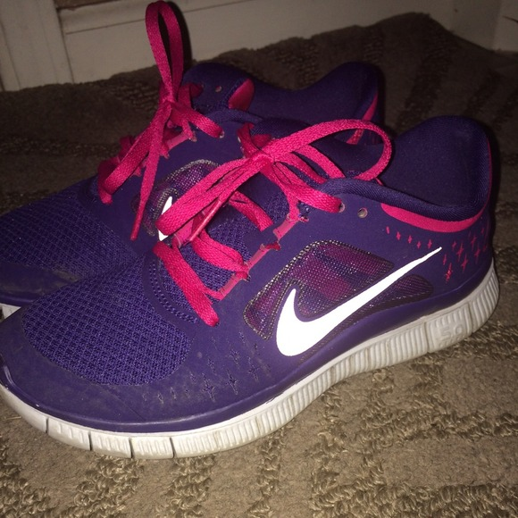 check out be00e a7c35 Dark purple blue with hot pink nike free runs! M 5499d13693c6360547013545