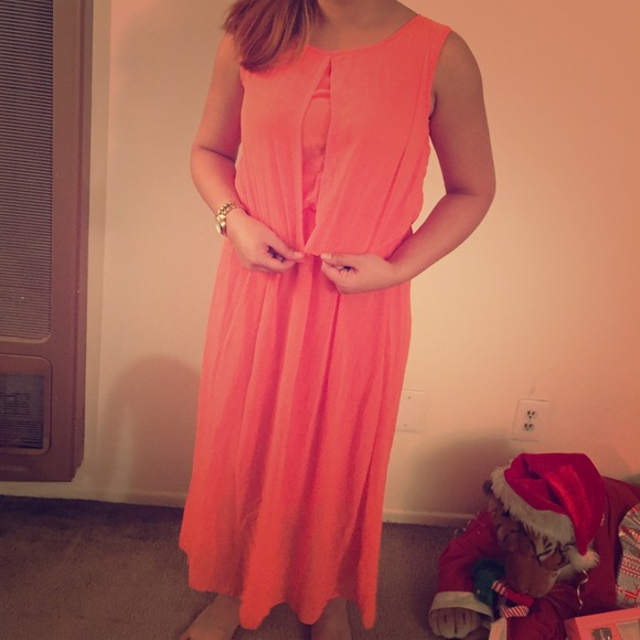Dresses & Skirts - coral maxi dress size S/M