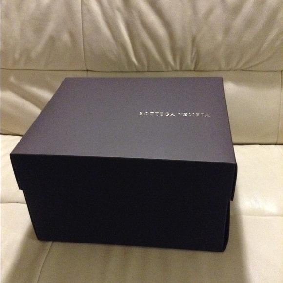Bottega Veneta Accessories - Authentic Bottega Veneta box + dust bag 4  handbag b95734299aa51