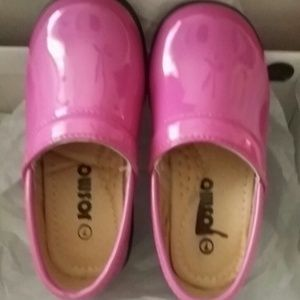 josmo Other - New Toddler size 7 pink clogs
