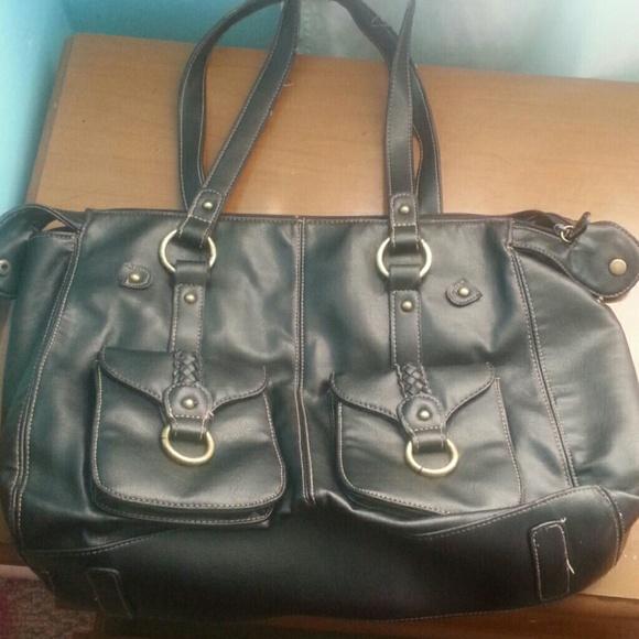 Michael Kors Laukku Rikki : Black handbag os from rikki s closet on poshmark
