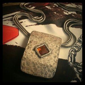 Jewelry - Silver tone rectangular necklace w/ an Amber gem