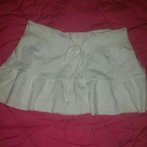 Dresses & Skirts - 🔴Small White Skirt🔴