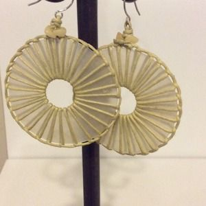 Stone shell hoop earrings