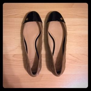 Tory Burch Quilted nude & black flats size 8