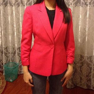 Bright pink blazer with 3/4 ruched sleeves