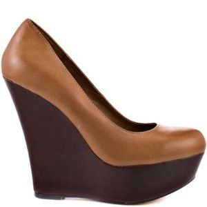 Steven Madden Pannick Natural Leather wedges.