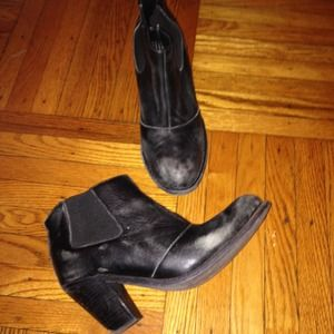 Jeffrey Campbell distressed ankle boot!