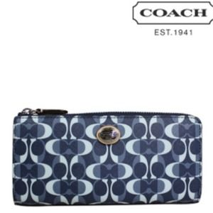 Coach Peyton Signature Slim Wallet