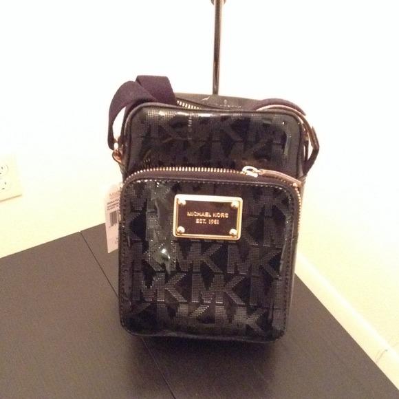 406ea1b4767f michael kors flight bag shop online italia - Marwood VeneerMarwood ...