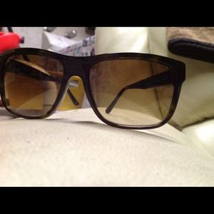 Versace versace sunglasses mod 4215 from betty 39 s closet for Chanel collection miroir 4179