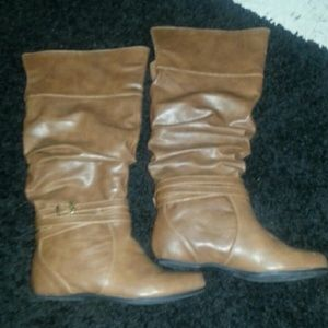 ✋DONATED✋Brand new brown boots