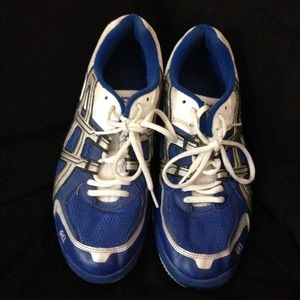 Asics gel sneakers/ volleyball shoes!