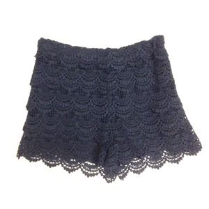 ZARA Scalloped Hem Crochet Black Shorts