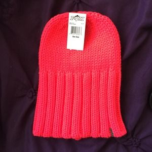 hot highlighter pink chunky knit beanie