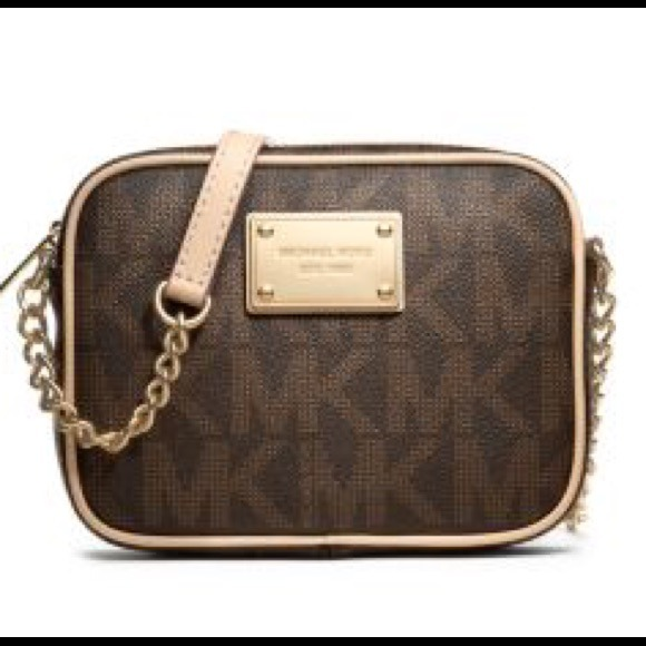 85bf91ad26d Michael kors small cross body purse
