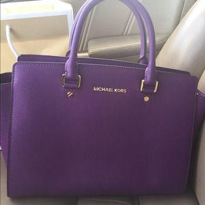 cde2464b52ca Michael Kors Bags - Michael Kors Bag- SOLD