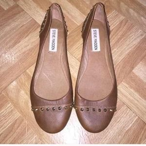 Brown Steve Madden flats