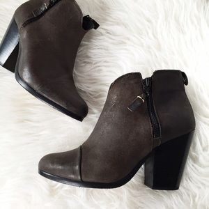 ✨HP✨ rag & bone Margot brown booties