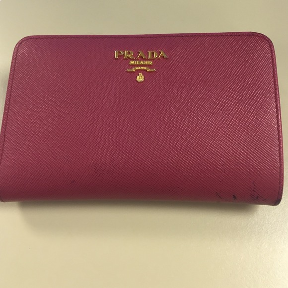 688d8fa4fb71 Prada Milano Wallet !! sale :) M_54a2e0989da2593f4b06ef75
