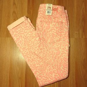 Pants - Low Rise Skinny Pant in Pink Leopard Print.
