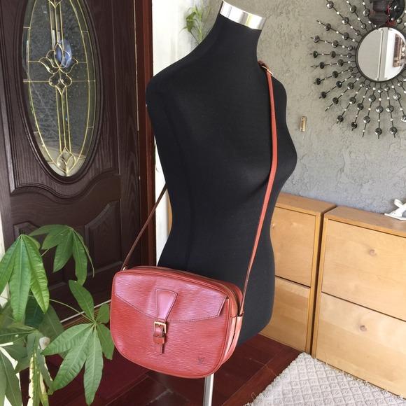 b8b573a3ad31 Louis Vuitton Handbags - Louis Vuitton Jeune Fille Epi leather crossbody