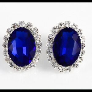 Jewelry - Sapphire blue stud earrings