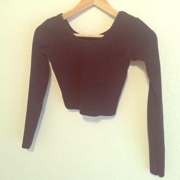 b6b07664cb0 Black Long-Sleeve Crop Top