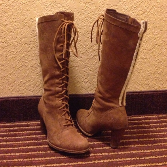 Women's UGG Boots size 7.5 Lace up front Side Zip