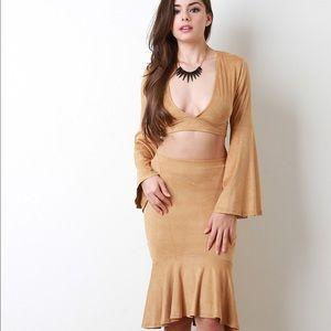 H&M Dresses & Skirts - 💎 Faux Suede Pencil Skirt