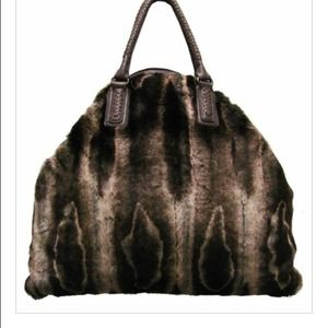 20% discount!   WOW. Faux Fur Large Tote
