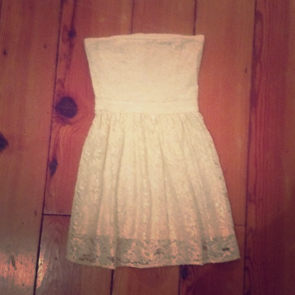 eae2221fb65 Abercrombie   Fitch Dresses