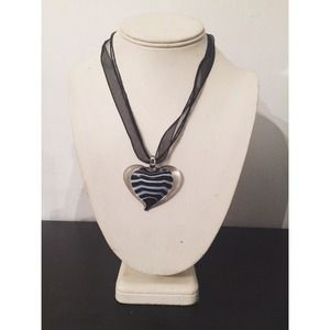 Accessories - Black and white striped heart necklace