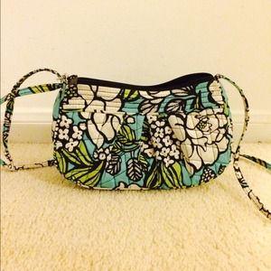 Vera Bradley Frannie purse in island blooms NWOT!!