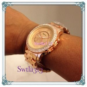 ROSE GOLD TONE GENEVA WATCH (Men's or woman's sz