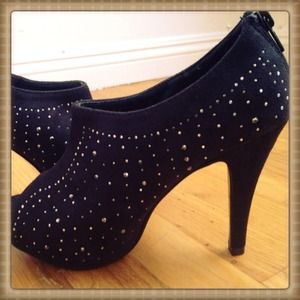 Shoes - 🎉💝Sexy Bling Smi Boot Heels