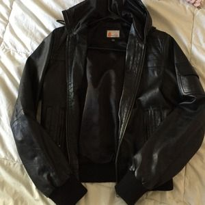 Jackets & Blazers - Black Leather Bomber Jacket