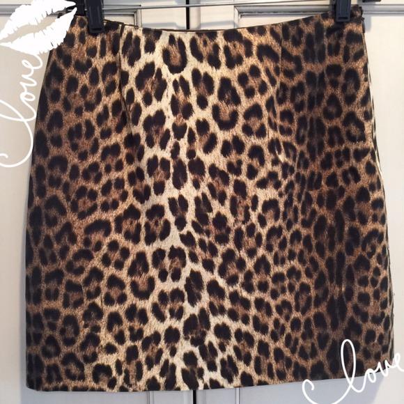 🎁Sold🎁 MOSCHINO Cheap & Chic Leopard Short Skirt