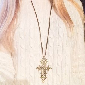 Jewelry - New Gold Cross Necklace