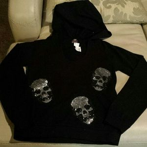 E.vil u neck hoody with skulls
