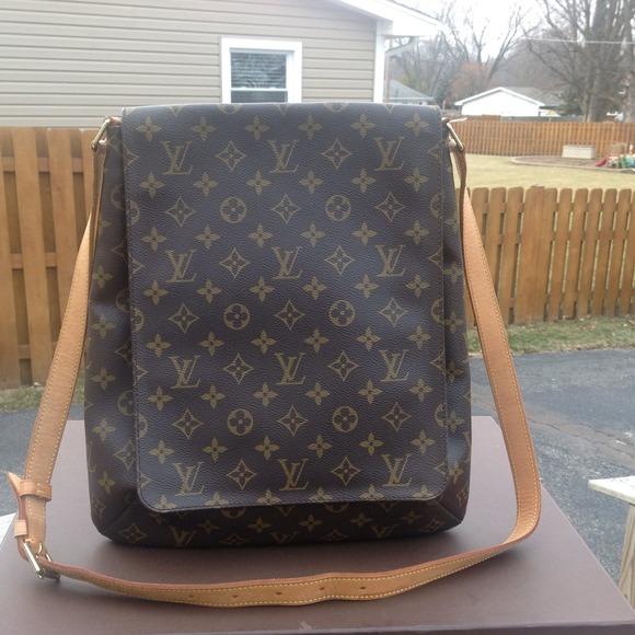 a2b023cc665c Louis Vuitton Handbags - 100% Authentic Louis Vuitton Musette Salsa GM