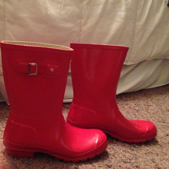 49% off Hunter Boots Shoes - Short Glossy hunter rain boots red ...