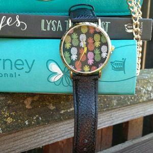 ☆HP☆ Pineapple Print Black Leather Watch