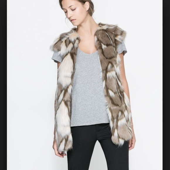 Zara Outerwear - Zara faux fur vest
