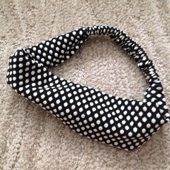 Forever 21 Accessories - Polka dot forever 21 headband