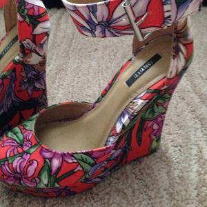 Forever 21 Shoes - Forever 21 floral wedges