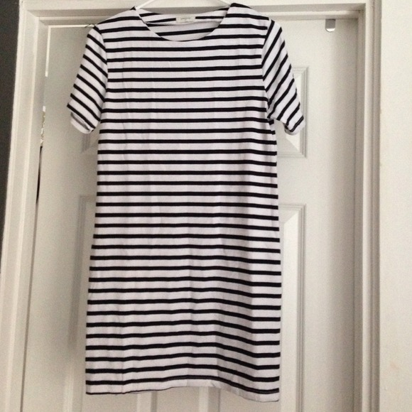 Dresses & Skirts - Sheinside striped tshirt dress