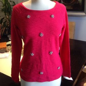 Beautiful embroidered scoop neck sweater size S